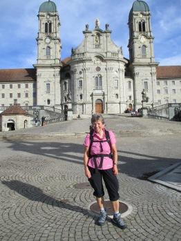 vor der Klosterkirche in Einsiedeln